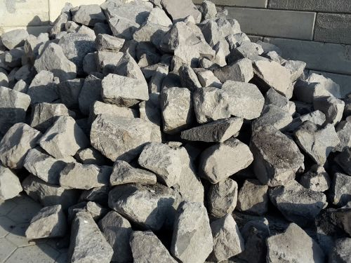 28494 voorbeeld van basalt breuksteen 1
