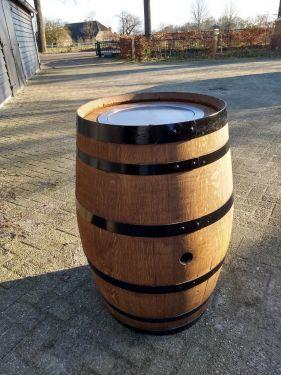 Gashaard in wijnvat (onbewerkt) 1