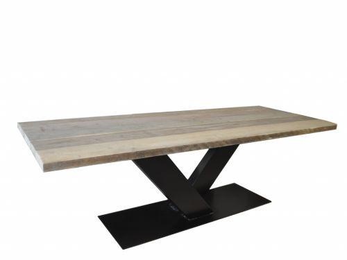 Steigerhouten tafel met V poot